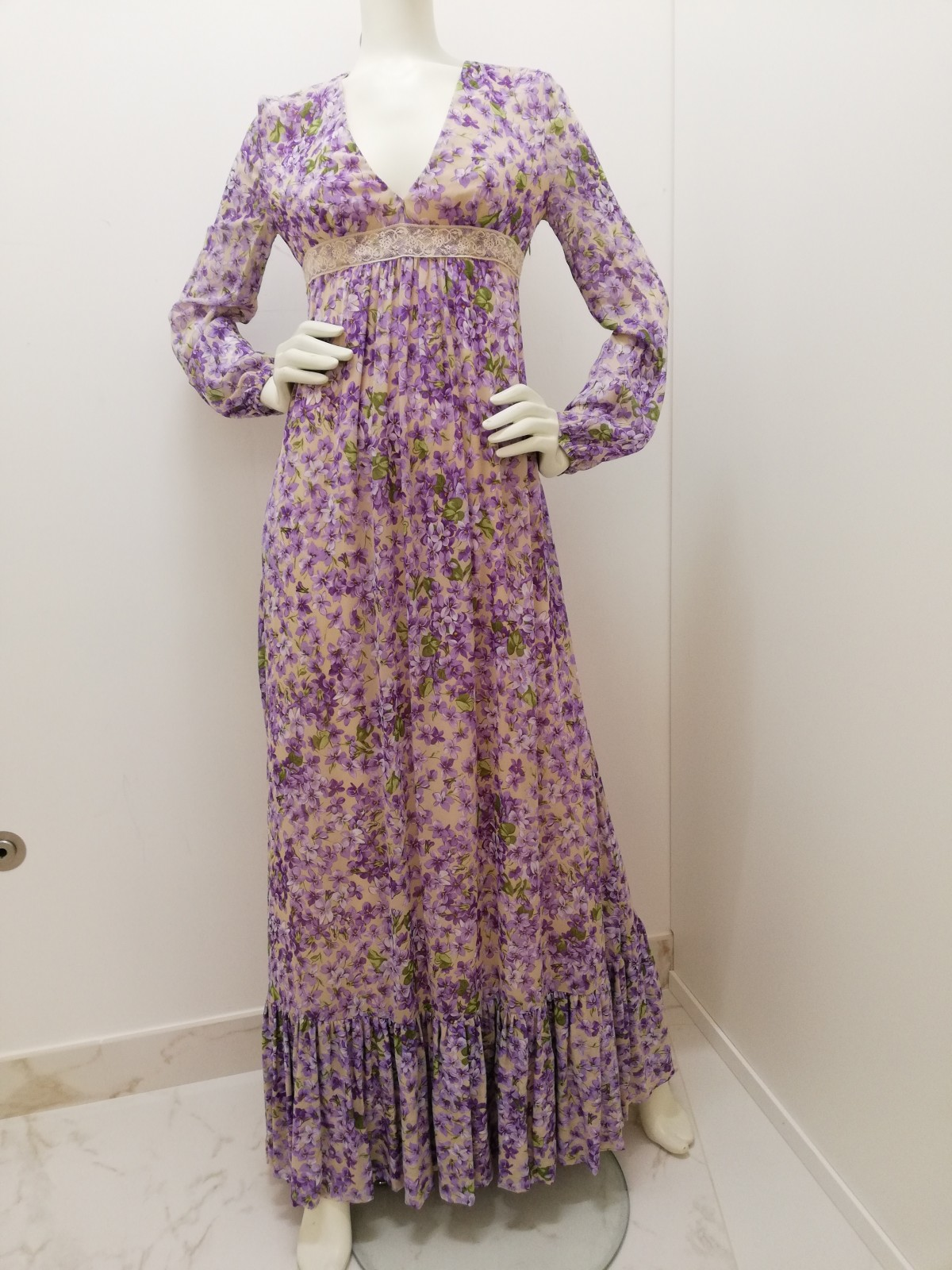 new style 0da2d ea2f1 Long dress 100% pl Print violets. Long sleeve. twin set