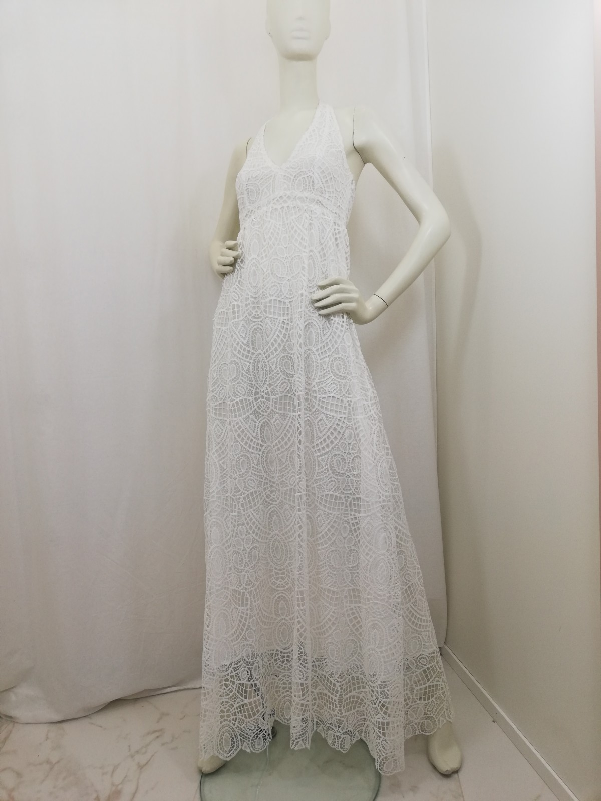 quality design 567df 02503 Long lace dress. Neck closure, nude. Liu Jo